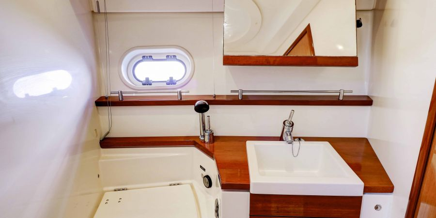 Lower Pearl Yacht-WC-2