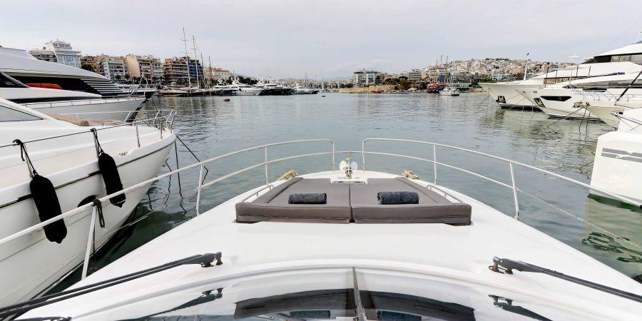 Main Pearl Yacht-Bow-1